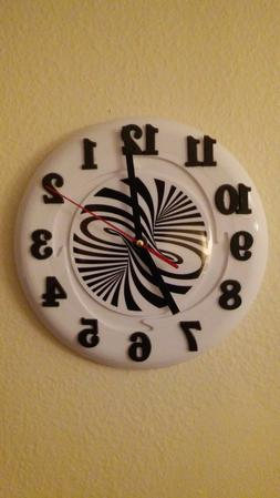 Wall clock 8 inch frisbee NEW, color-white & black silent me